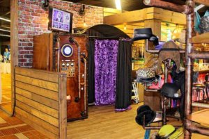 vintage steampunk photo booth in Chicago